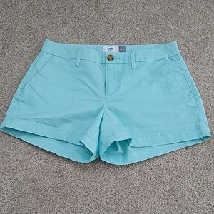 Old Navy Mid-Rise 3.5 inch shorts, sky blue